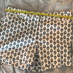 White house black market, NWT, size 12 shorts